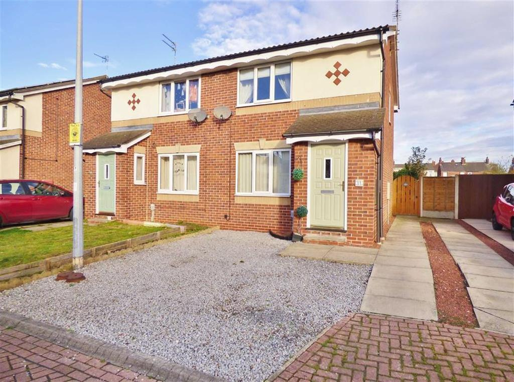 2 Bedrooms Semi Detached House for sale in Bielby Drive, Beverley