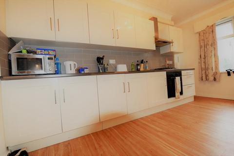 1 bedroom house share to rent - Sefton Court, Leeds