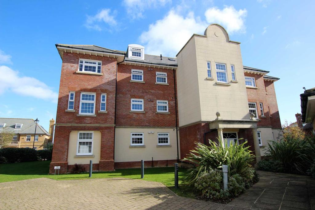 3 Bedrooms Flat for sale in Christchurch Place, Eastbourne, BN23 5AP