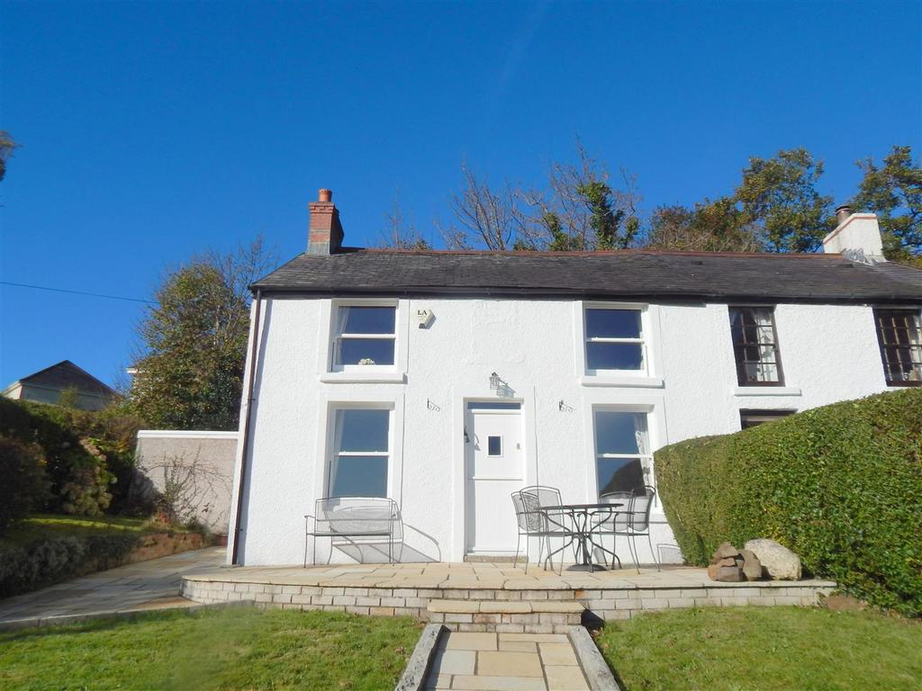 3 Bedrooms Semi Detached House for sale in Plas Cadwgan Road, Ynystawe, Swansea