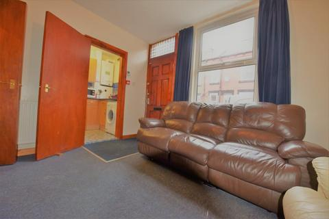 3 bedroom house to rent - Harold Place