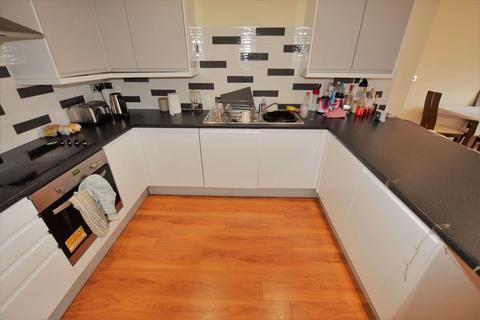 3 bedroom flat to rent - St Pauls Street