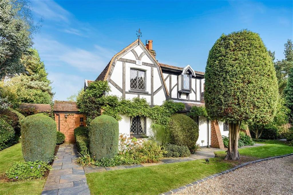 4 Bedrooms House for sale in Beech Hill, Mayford, Woking, Surrey, GU22