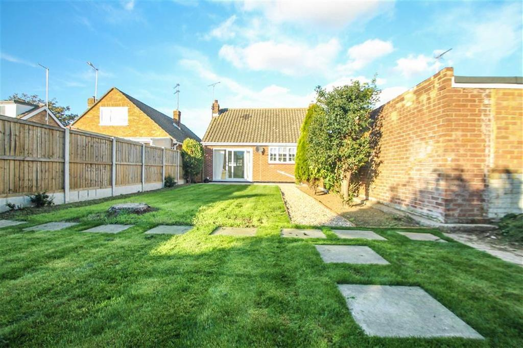 2 Bedrooms Detached Bungalow for sale in St Johns Road, Clacton-on-Sea