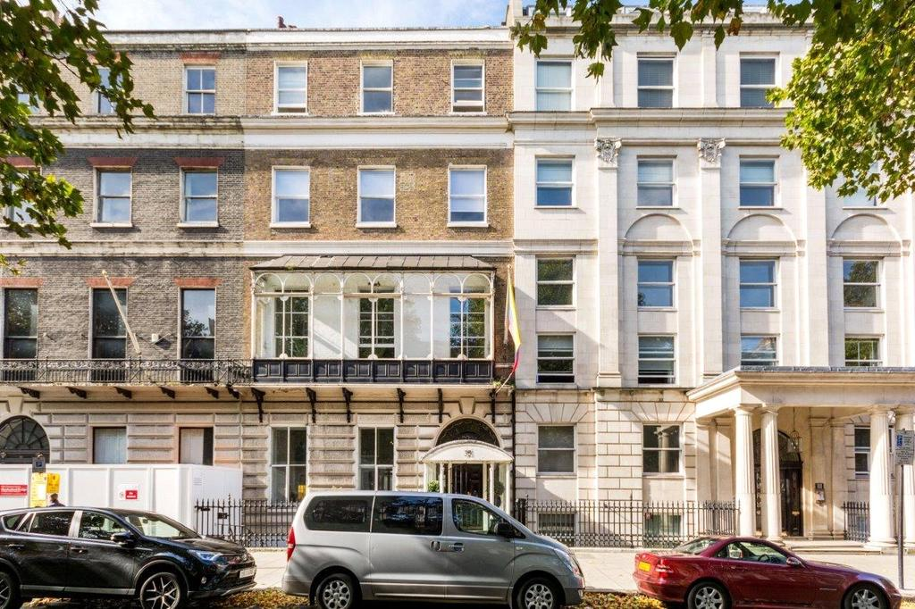 3 Bedrooms Flat for rent in 35 Portland Place, London, W1B
