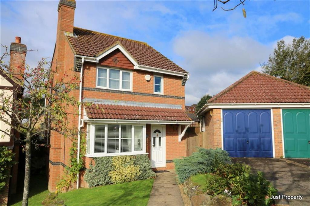 3 Bedrooms Detached House for sale in Shingle Court, St Leonards On Sea