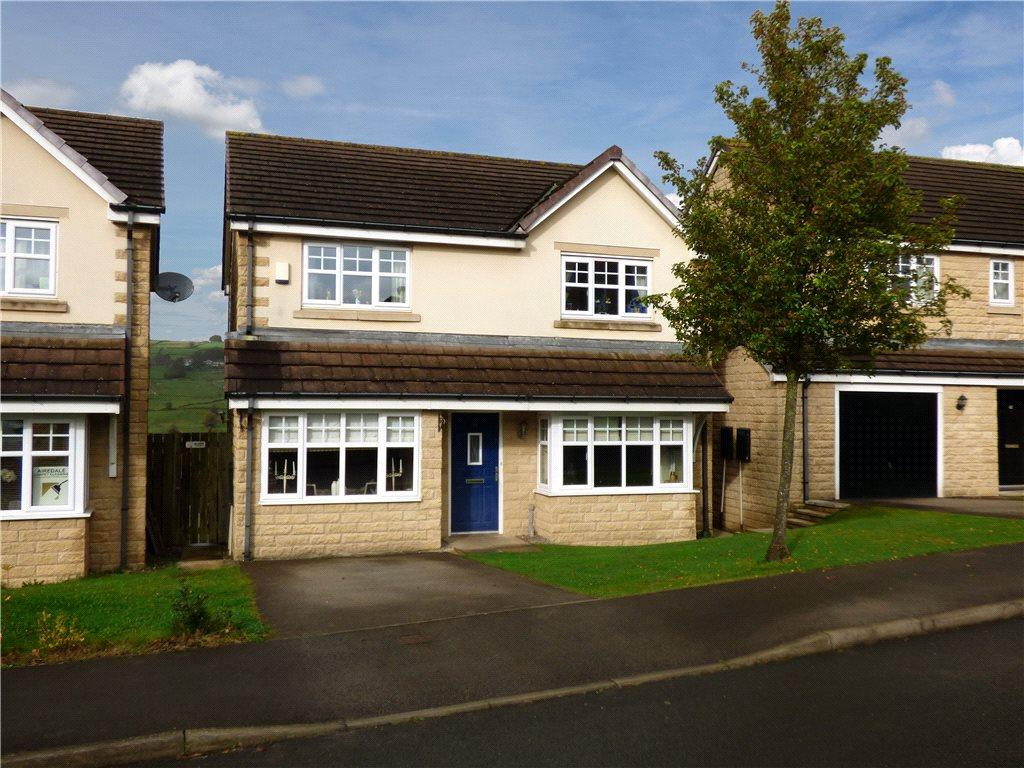 4 Bedrooms Detached House for sale in Low Fell Close, Keighley, West Yorkshire