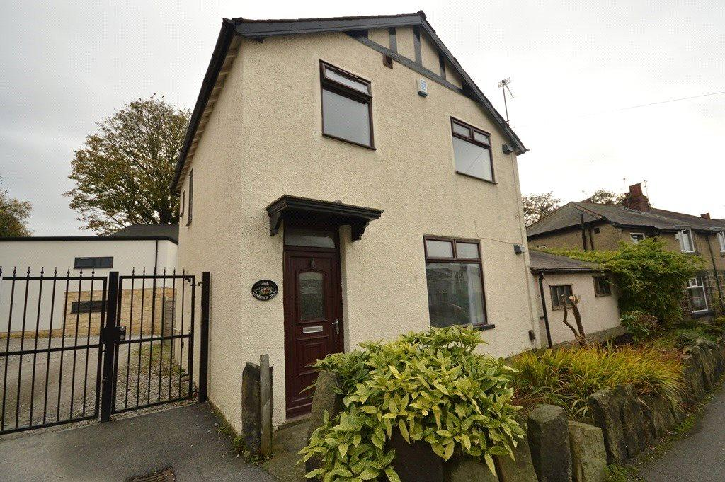 2 Bedrooms Terraced House for sale in Clarence Drive, Horsforth, Leeds, West Yorkshire