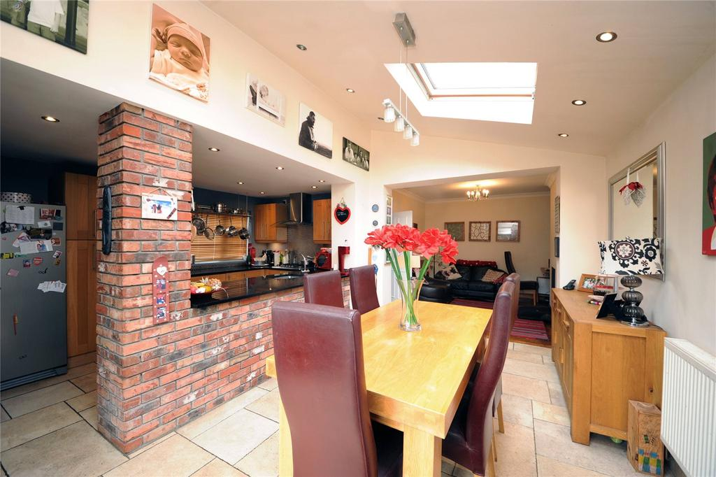 4 Bedrooms Semi Detached House for sale in St Ina Road, Heath, Cardiff, CF14
