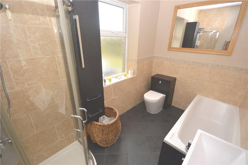 3 Bedrooms Terraced House for sale in Morton Terrace, Guiseley, Leeds, West Yorkshire