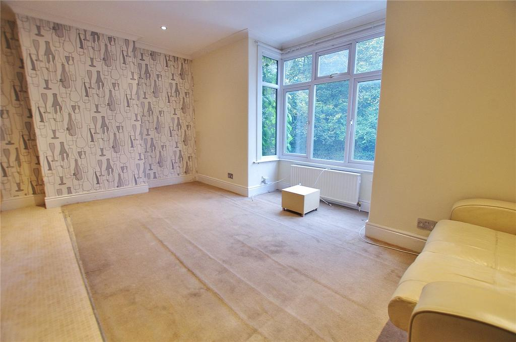 2 Bedrooms House for sale in Wiggenhall Road, Watford, Hertfordshire, WD18