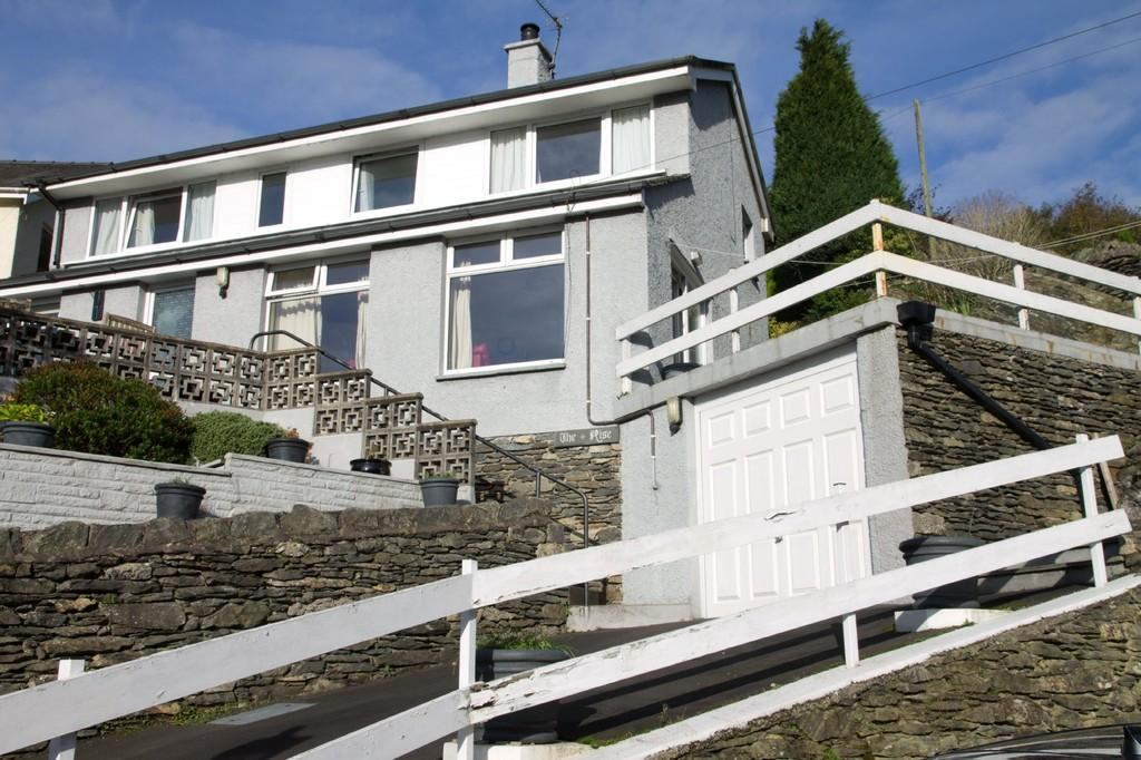 3 Bedrooms Detached House for sale in The Rise, Back O The Fell Road, Lindale, Grange over Sands, Cumbria, LA11 6LR