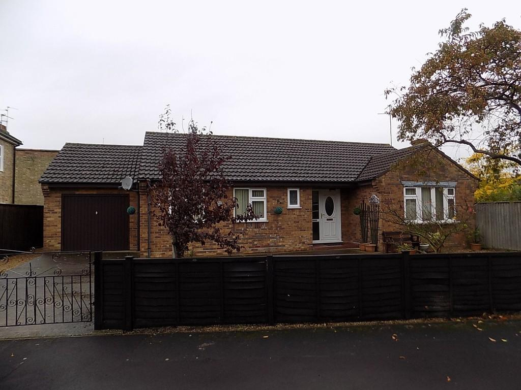 2 Bedrooms Detached Bungalow for sale in Ravenhill Drive, March