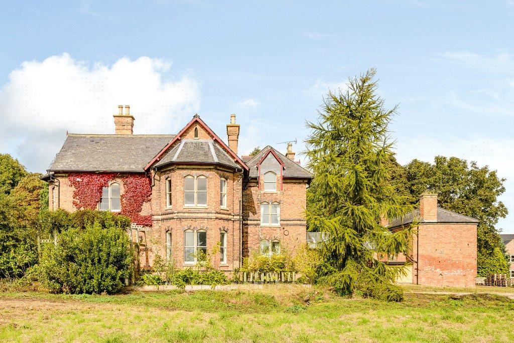 8 Bedrooms Detached House for sale in St. Martins House, Church Street, Owston Ferry, Doncaster, DN9