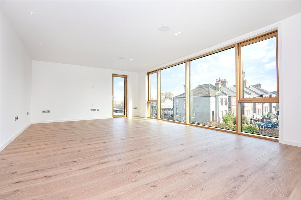 2 Bedrooms Flat for rent in Akehurst Lane, Sevenoaks, Kent, TN13