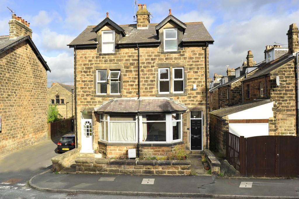 4 Bedrooms Semi Detached House for sale in Chatsworth Grove, Harrogate