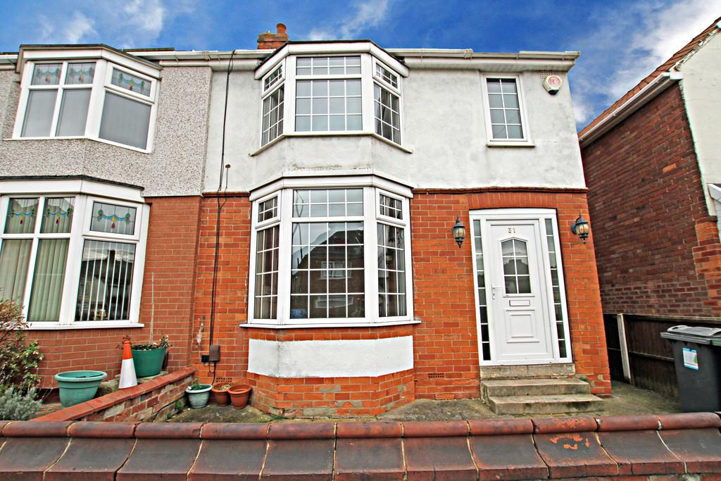 3 Bedrooms Semi Detached House for sale in St Margarets Road, Belle Vue, Doncaster