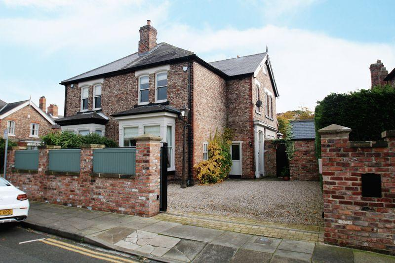 6 Bedrooms Semi Detached House for sale in Albert Road, Eaglescliffe TS16 0DD