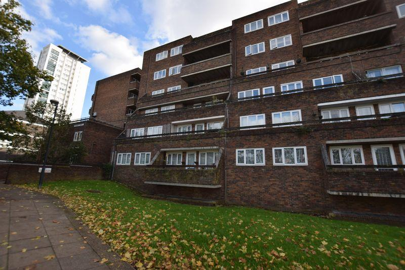 2 Bedrooms Apartment Flat for sale in Mabbatt House, Nightingale Place, Woolwich, SE18 4HT