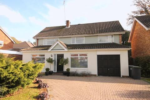 4 bedroom detached house for sale - Blackthorns, Lindfield, West Sussex