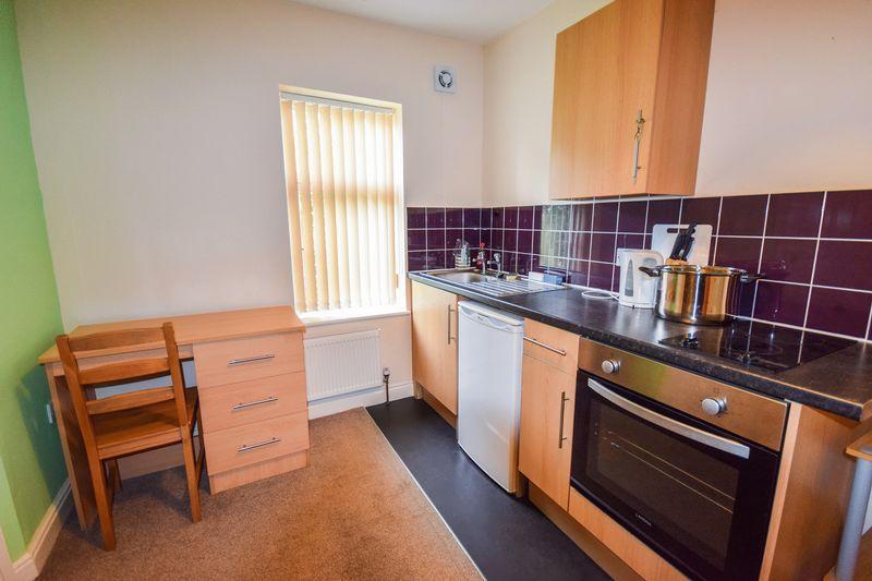 Studio Flat for rent in Pearson Lane, Bradford