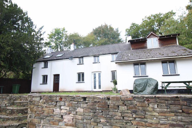 3 Bedrooms Detached House for sale in Bettws, Newport