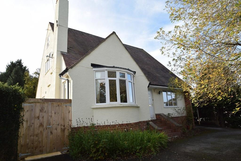 4 Bedrooms Detached House for sale in Llanrwst Road, Upper Colwyn Bay