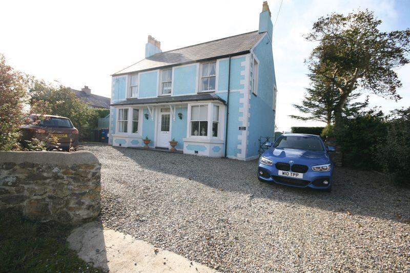 4 Bedrooms Detached House for sale in Gwalchmai, Anglesey