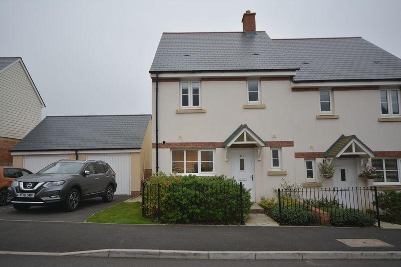 3 Bedrooms Semi Detached House for sale in Ffordd Y Draen, Coity, CF35 6BF