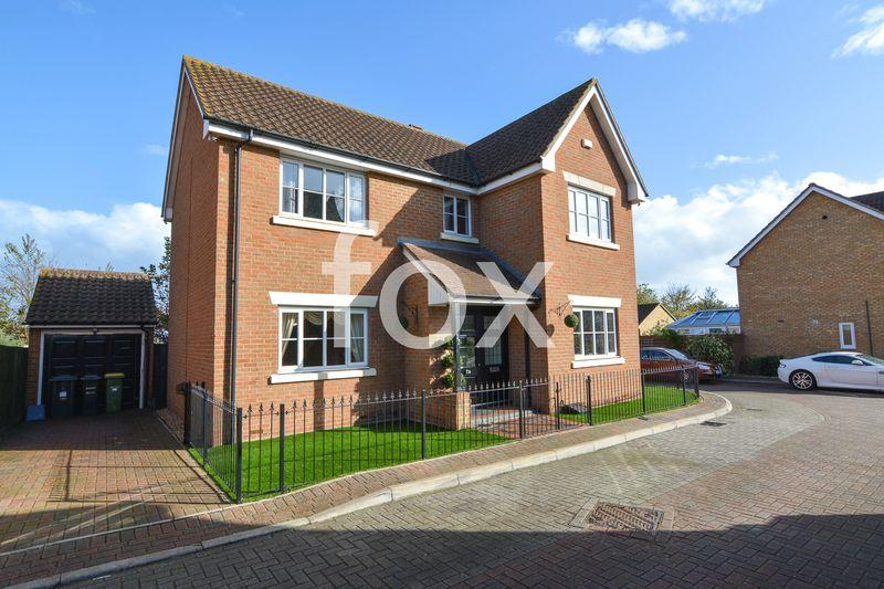 4 Bedrooms Detached House for sale in Nelson Road, Rochford