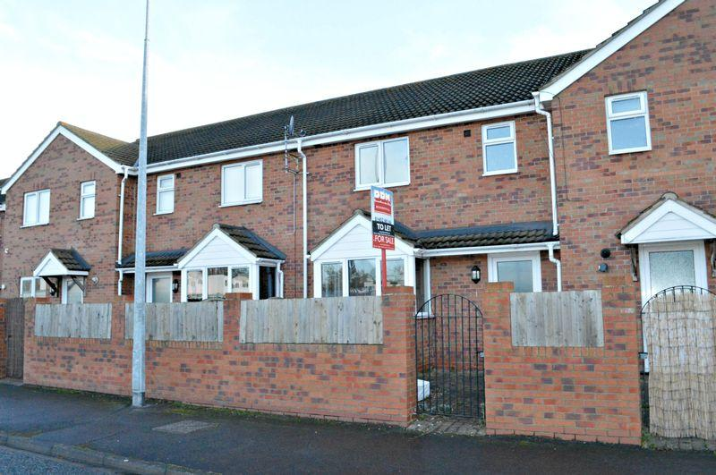 3 Bedrooms Terraced House for sale in Humber Road, Barton-Upon-Humber