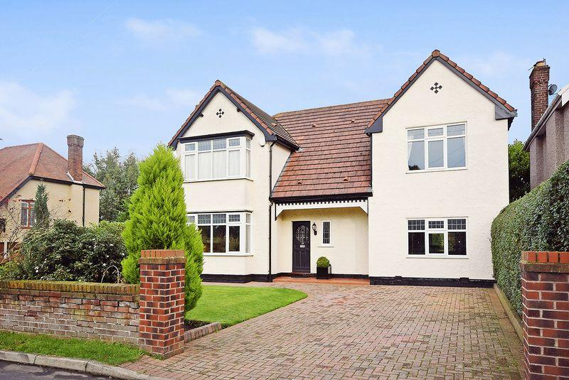 4 Bedrooms Detached House for sale in Church Road, Hale Village, Liverpool