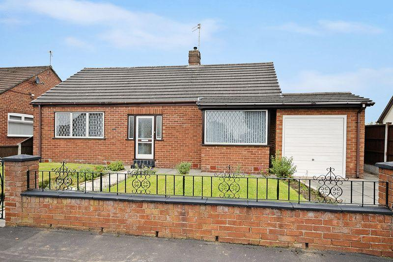 2 Bedrooms Detached Bungalow for sale in Smithy Close, Widnes