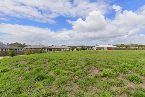 Land  - 2 Pipit Place Brookview Estate, GLEN EDEN, QLD 4680