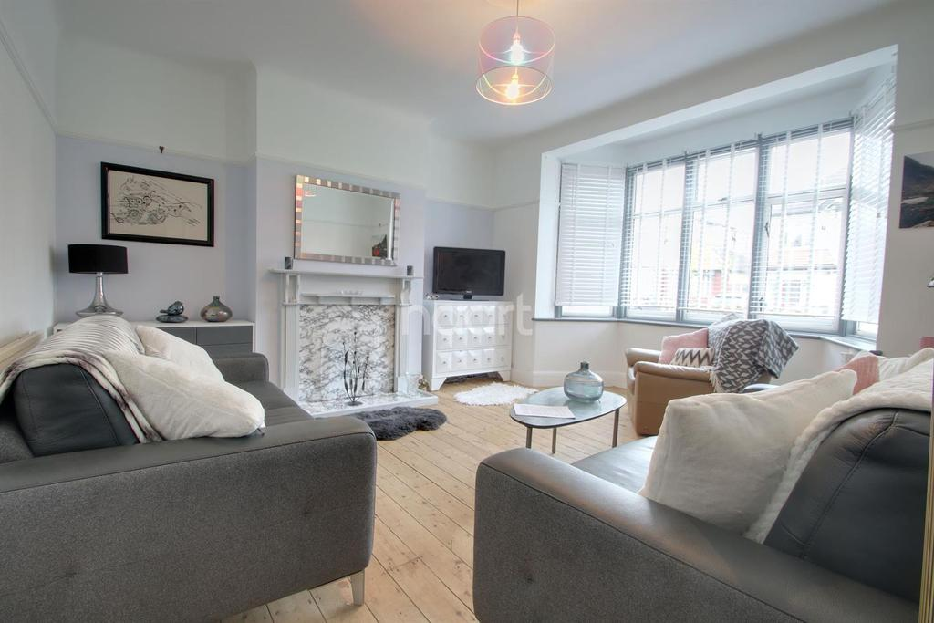 1 Bedroom Flat for sale in Crowborough Road, Southend on Sea