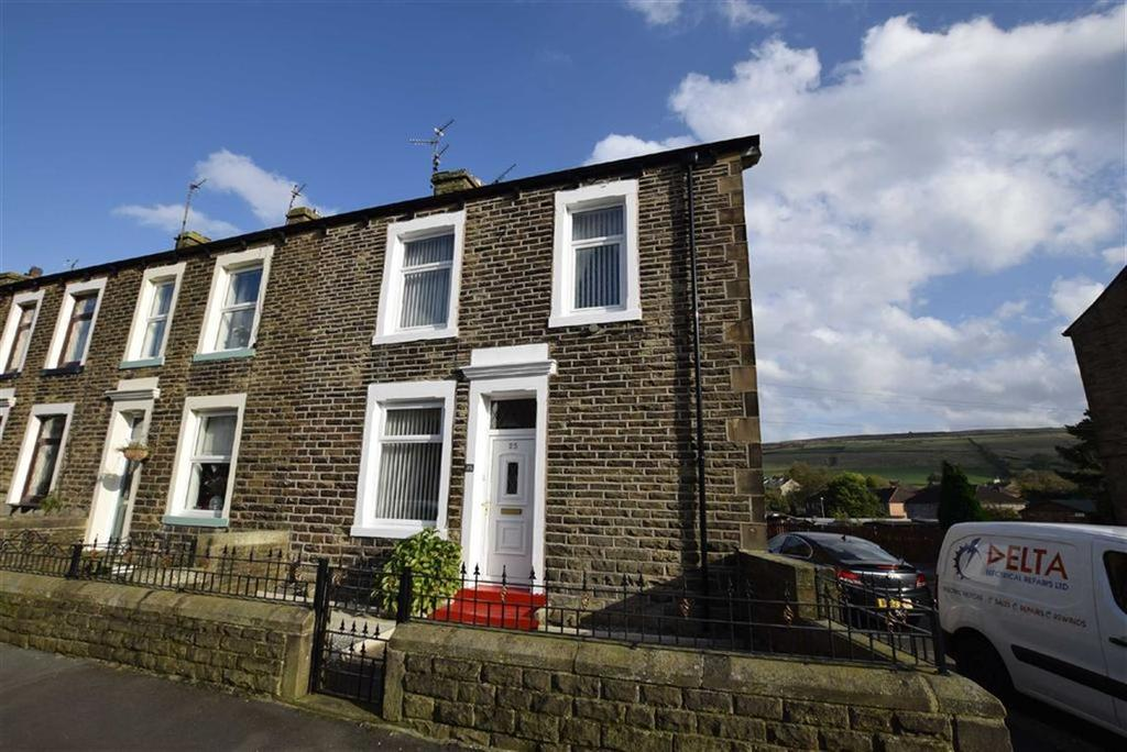 2 Bedrooms Terraced House for sale in Longroyd Road, Earby, Lancashire