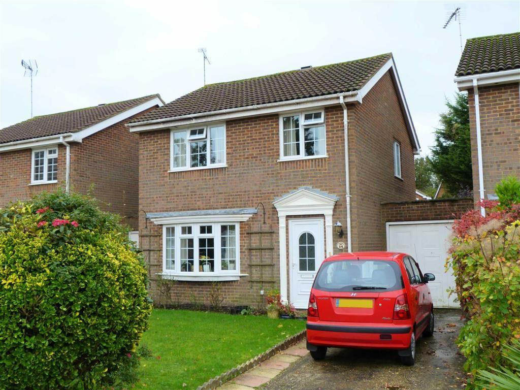 3 Bedrooms Detached House for sale in The Shaws, Welwyn Garden City