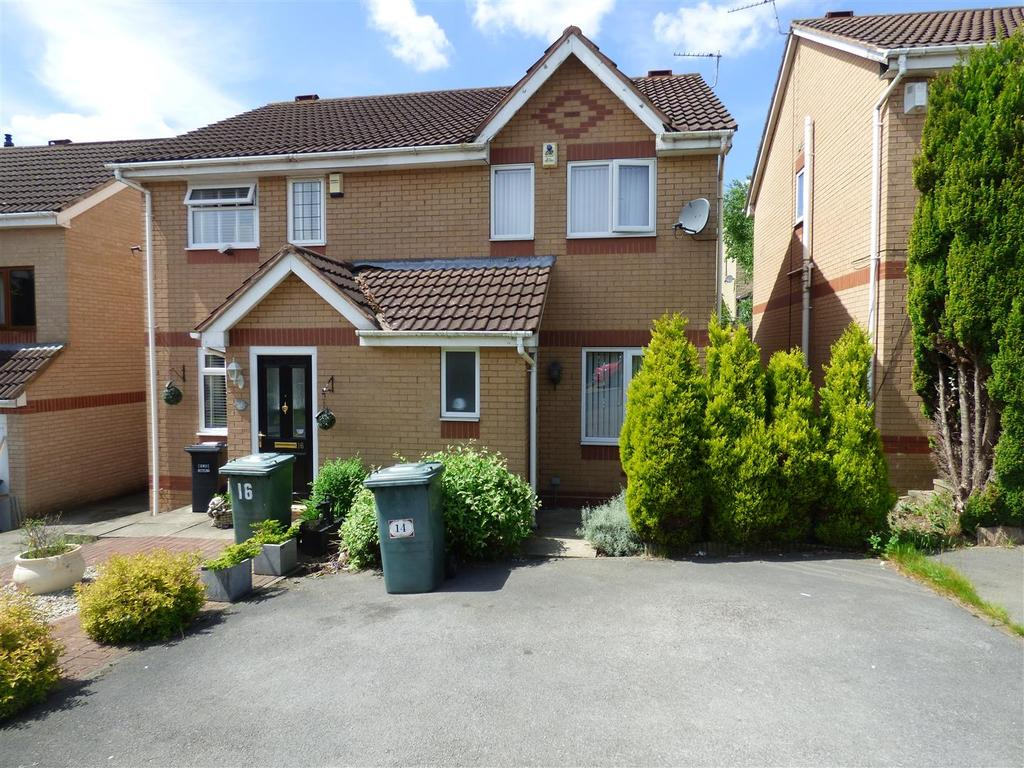 2 Bedrooms Semi Detached House for sale in Ploughmans Croft, BD2 1LE