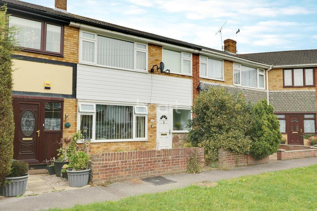 3 Bedrooms Terraced House for sale in St Michaels Road, Canvey Island