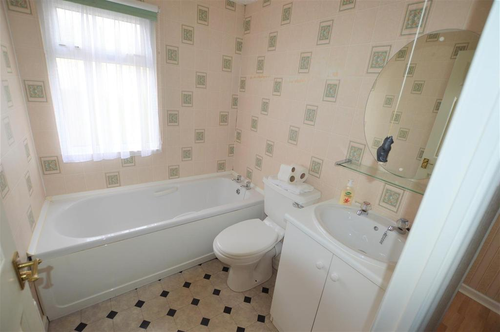 2 Bedrooms Park Home Mobile Home for sale in Estuary Park, Llangennech, Llanelli