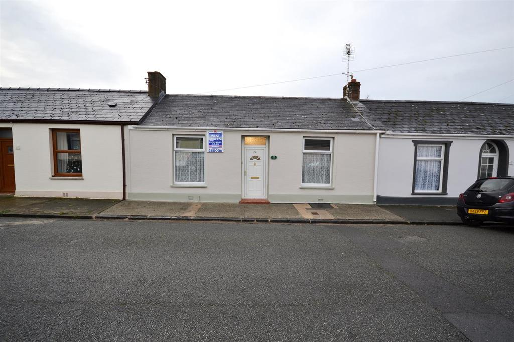 3 Bedrooms Cottage House for sale in North Street, Pembroke Dock