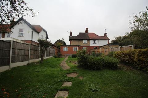 3 bedroom cottage to rent - Brentwood Road, Ongar, CM5