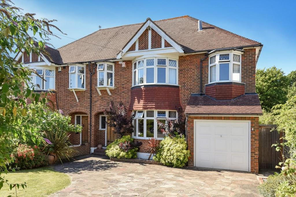 4 Bedrooms Semi Detached House for sale in Brabourne Rise, Beckenham
