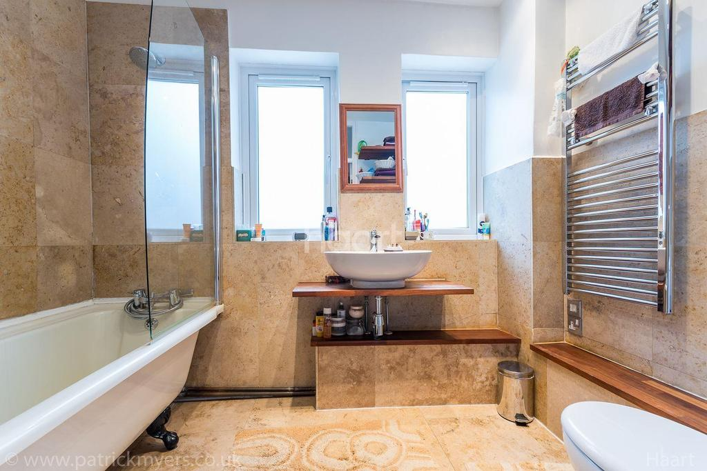 3 Bedrooms Terraced House for sale in Norcroft Gardens, East Dulwich, London, SE22