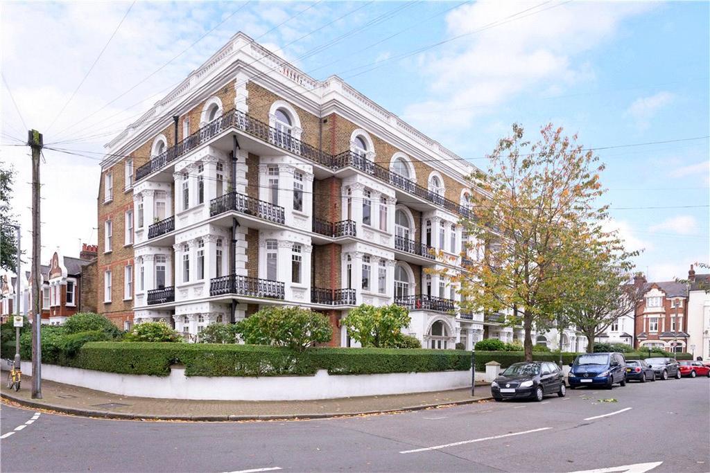 2 Bedrooms Flat for sale in Avenue Mansions, Sisters Avenue, Clapham, SW11