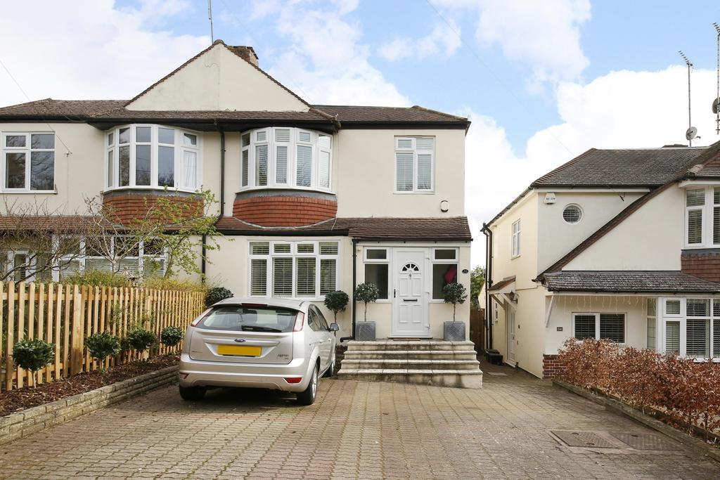3 Bedrooms Semi Detached House for sale in Old Hill Orpington BR6