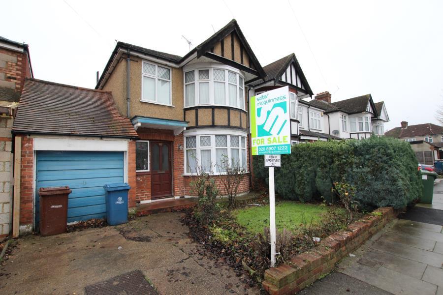 3 Bedrooms Semi Detached House for sale in Alicia Gardens, Kenton HA3 8JE