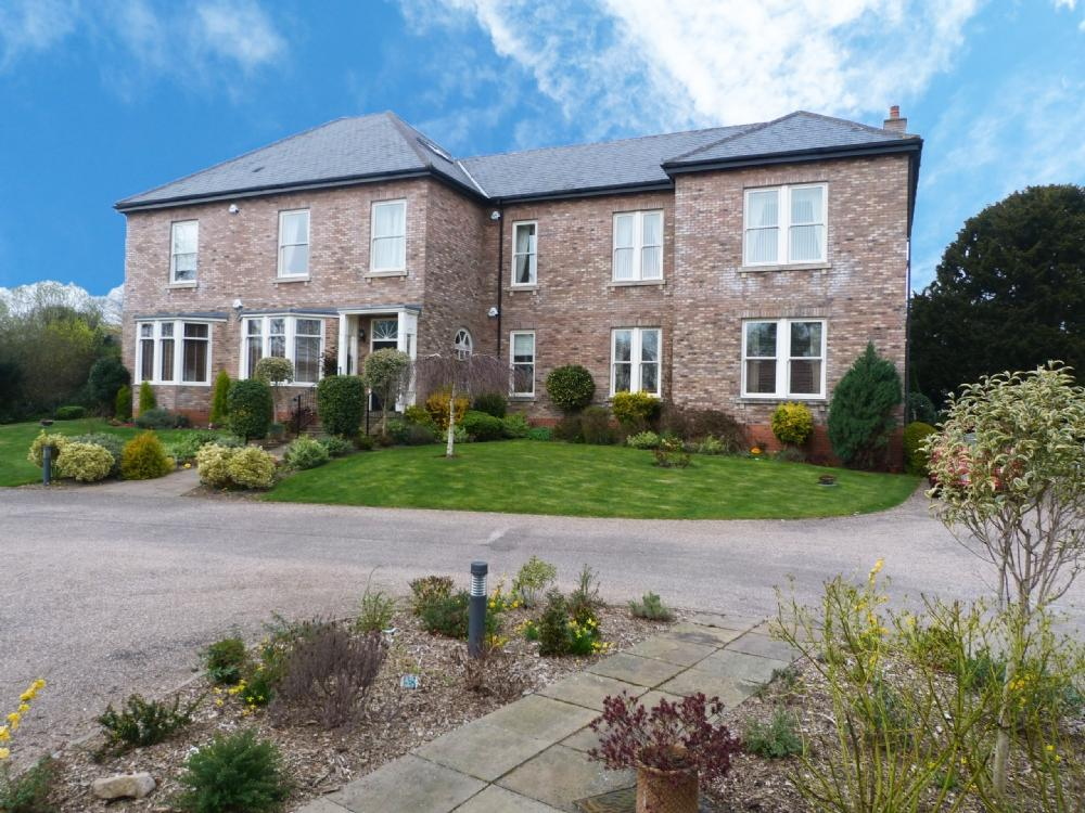 2 Bedrooms Flat for sale in 3 Borrage Hall Ripon HG4 2PW
