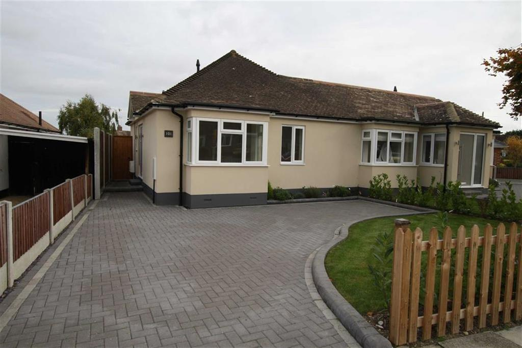 1 Bedroom Semi Detached Bungalow for sale in Woodside, Leigh On Sea, Essex