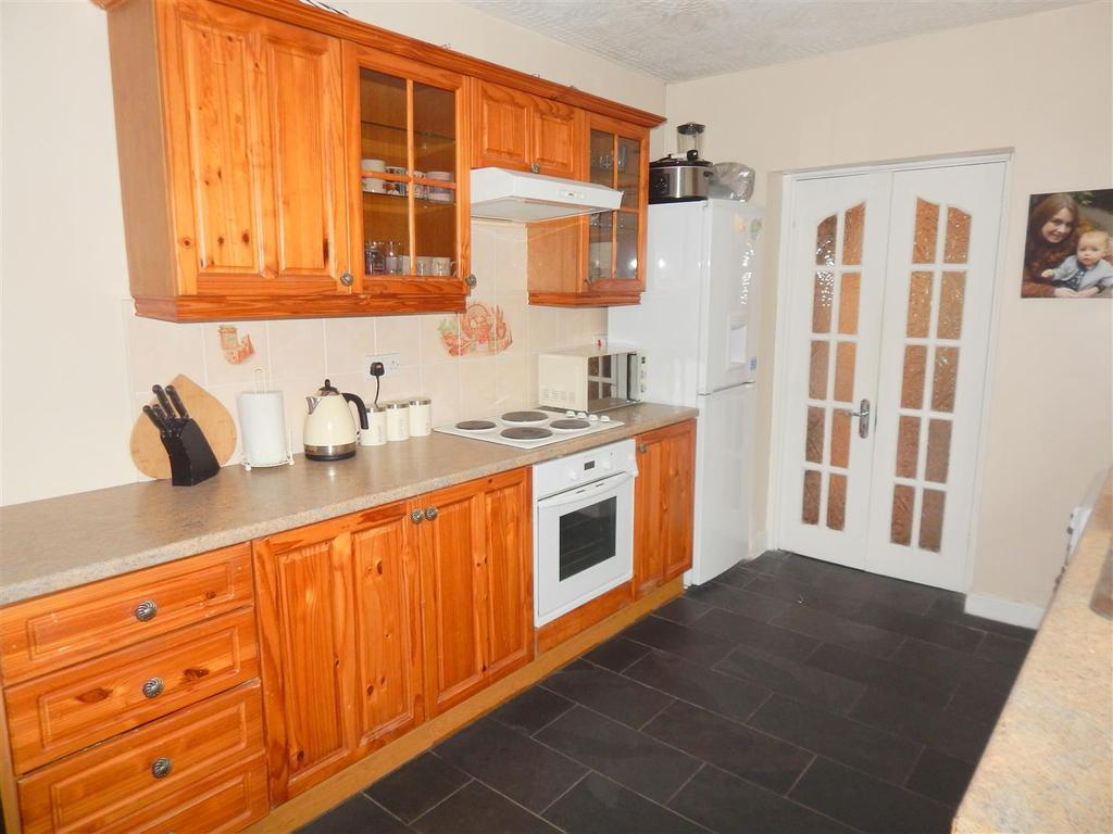 3 Bedrooms Terraced House for sale in Green Street, Morriston, Swansea